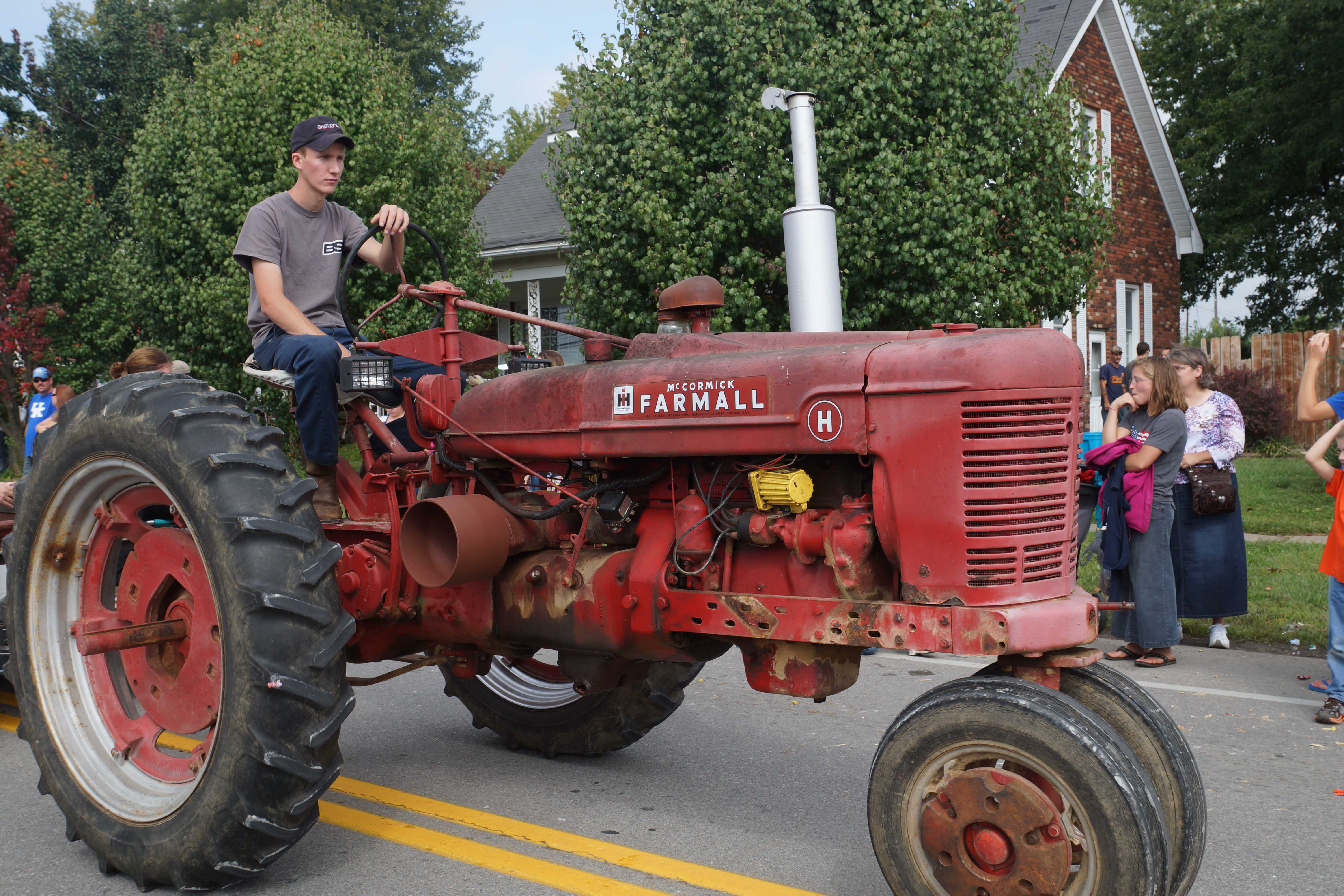 Antique Tractor Shows : Antique tractor
